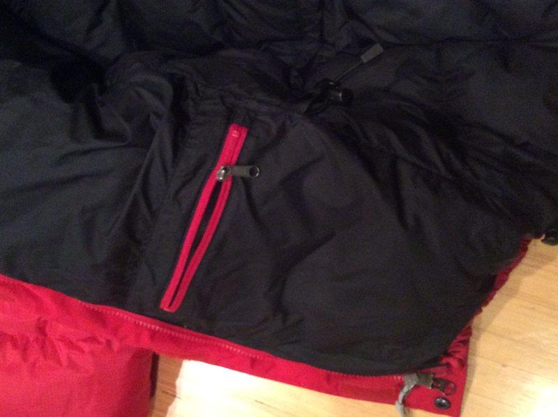 Internal zip pocket