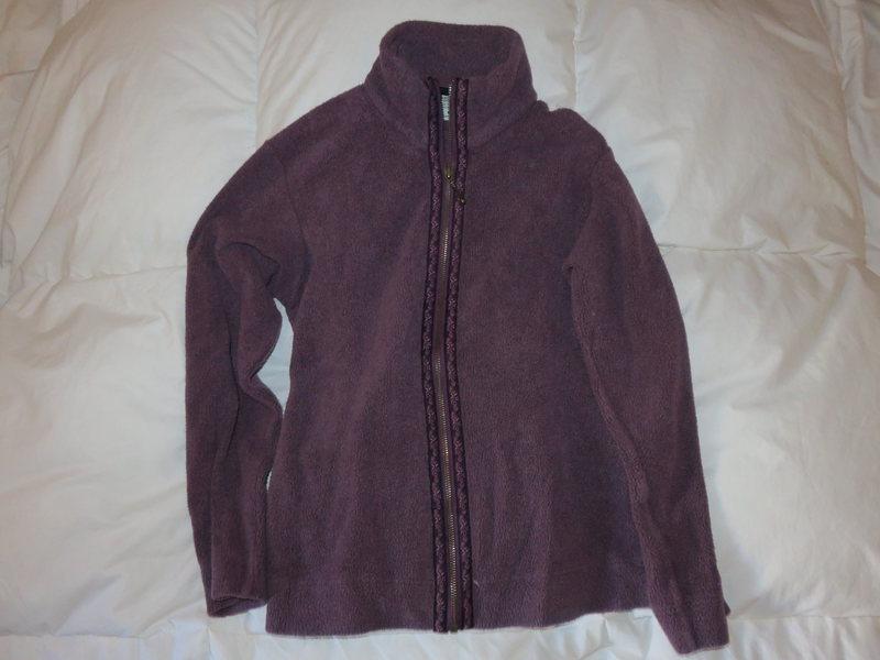 Women&@POUND@39@SEMICOLON@s Columbia full zip fleece size small<br> $20.00