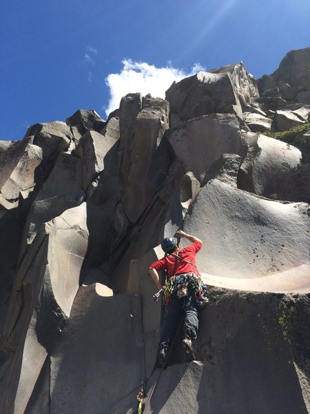 Heading up A lo Gringo, I actually stepped left and headed up the steep crack on Bienvenido a los Condores