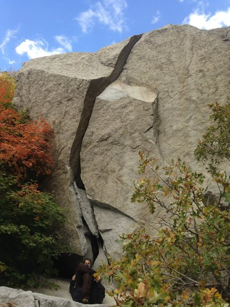 Rock Climbing Photo: Arrowhead Crack from the Ground