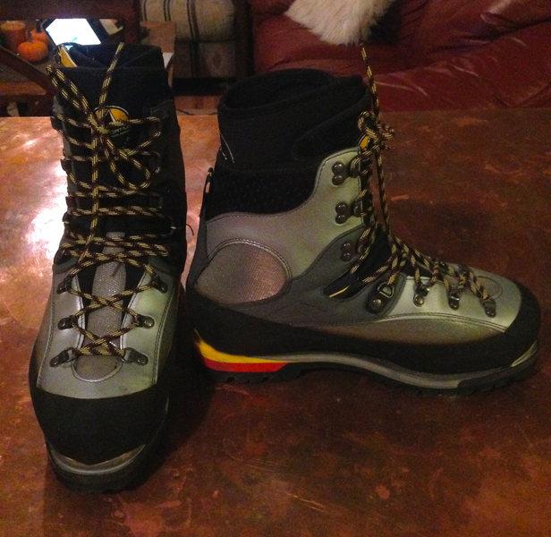 La Sportiva Baruntse Boots (Size 43)
