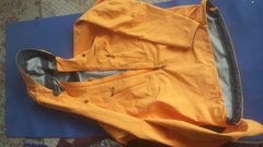 Rock Climbing Photo: Knifeblade pullover like new. Worn 1x, like it but...