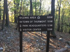 Rock Climbing Photo: This sign marks the trail where the upper Gateway ...