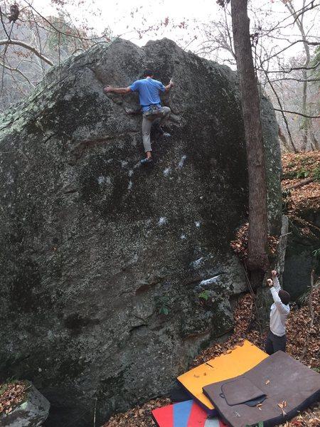 "Rock Climbing Photo: Parlier climbing ""Big Boy""(V1)"
