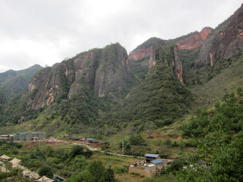 Rock Climbing Photo: From the Lisu approach