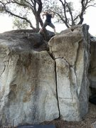 Rock Climbing Photo: Topping out at Deer Creek Boulders