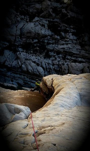 Rock Climbing Photo: P7: The crux section of this pitch, fantastic!