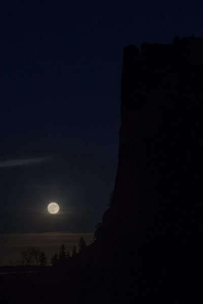 Rock Climbing Photo: Once a year the full moon will rise NE and be fram...