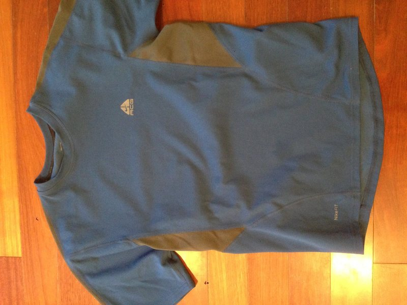 Nike ACG tech shirt. Size md. Good condition $8