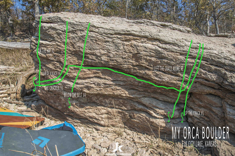 Rock Climbing Photo: Starts below the horizontal crack and move straigh...