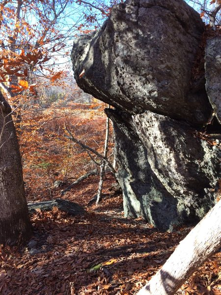 Rock Climbing Photo: Picture of the  Corkscew Boulder Potential for ano...