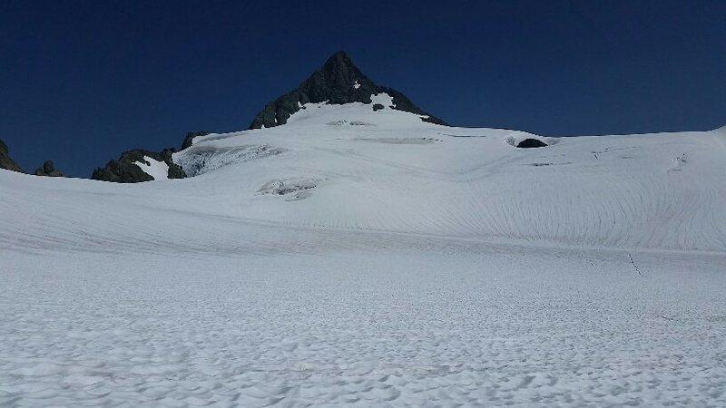 Shuksan pyramid from Sulphide Glacier