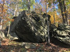 Rock Climbing Photo: Turtle Egg Boulder at the Cunningham Falls Area, C...