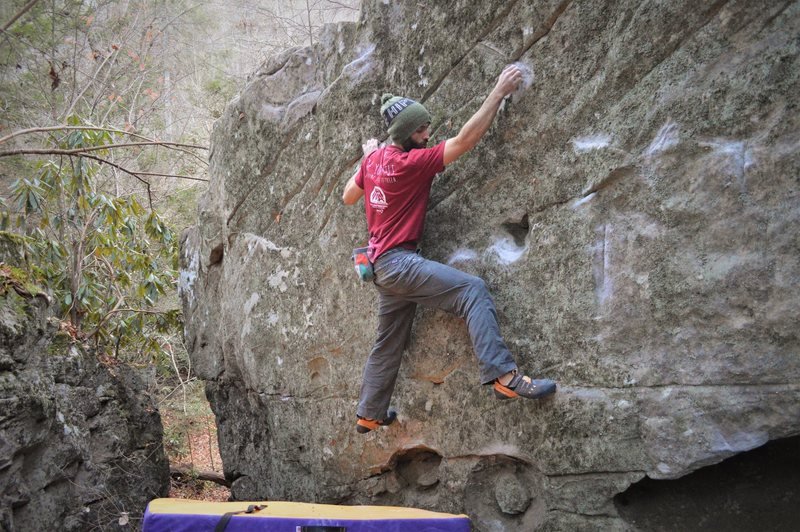 Rock Climbing Photo: Parlier above the starting underclings on the FA o...
