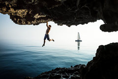 Rock Climbing Photo: Honnold doing his thing in Oman