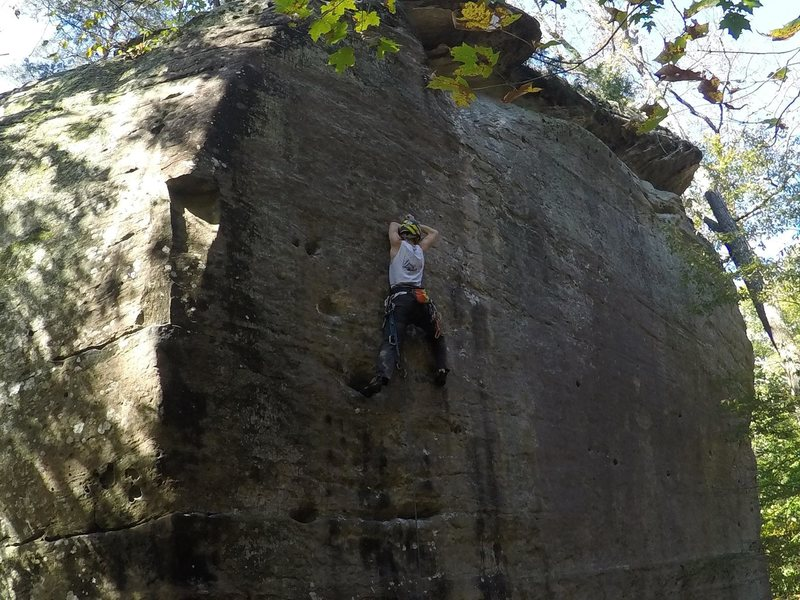 Rock Climbing Photo: crossing on the mono-pocket
