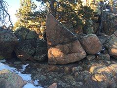Rock Climbing Photo: The sloping ledge.