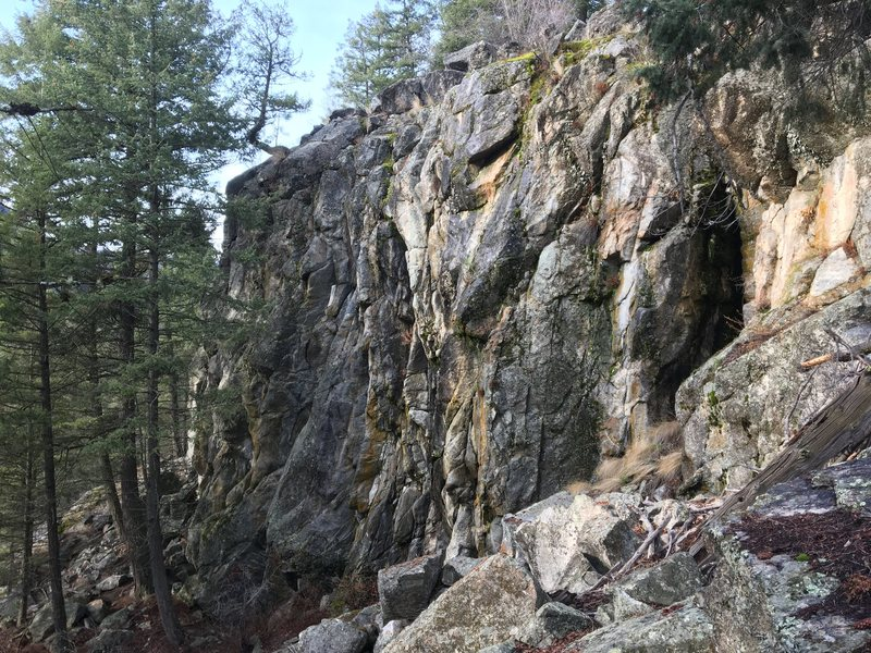 Middle Cliff
