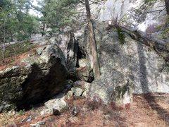 Boulder G is the overhang. Boulder H is the angular rock in the middle and Boulder I is the slab boulder.
