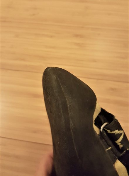 Right toe of the Muira.