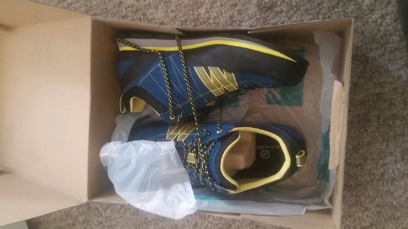 Rock Climbing Photo: size Mens 9.5