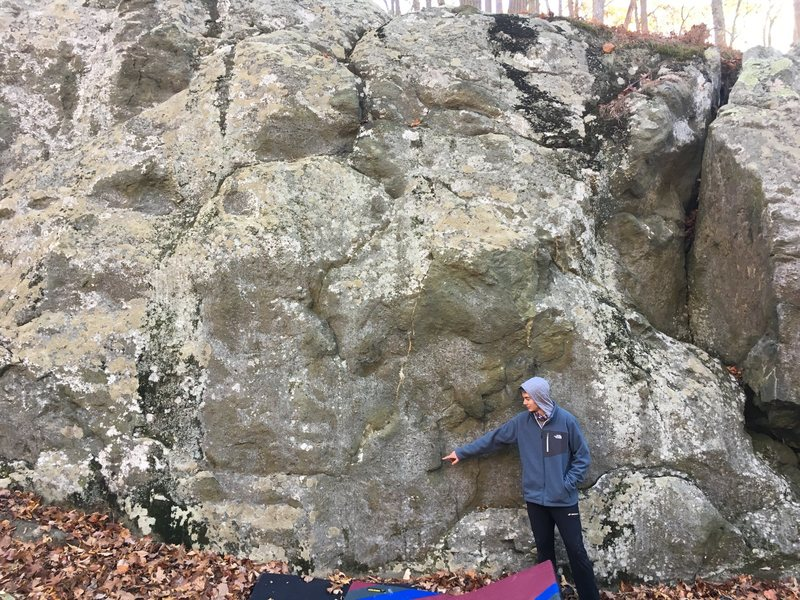 Austin points to the low start flake for Horse Anchor (V0-1), Plow Point (V1), and Mortar (V1)