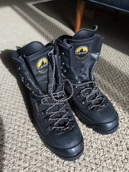 Boots - Size 43