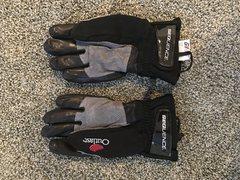 Rock Climbing Photo: Gloves 1