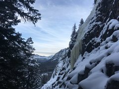 Rock Climbing Photo: Crux is at the start. Fun if the ice goes to the g...