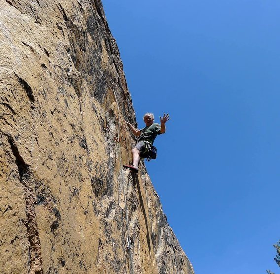 Rock Climbing Photo: Mike Arechiga on, House Of Cards.5.10b