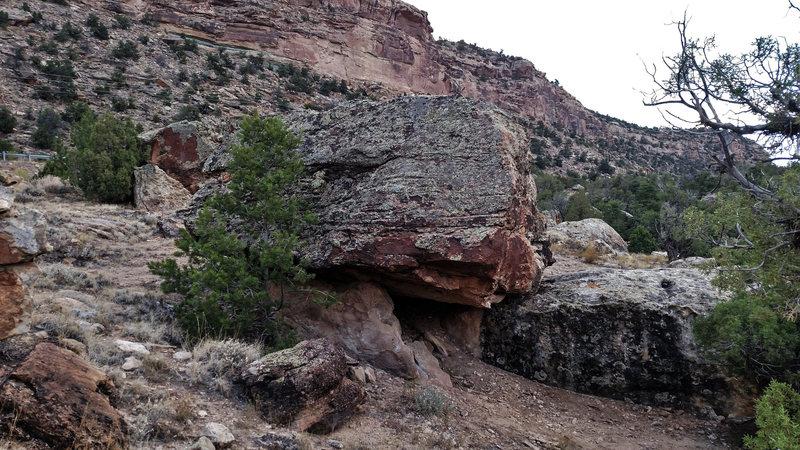 Rock Climbing Photo: Tank Boulder.