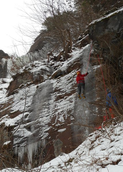 THIN smear on toprope, but hey, we're CLIMBING ICE