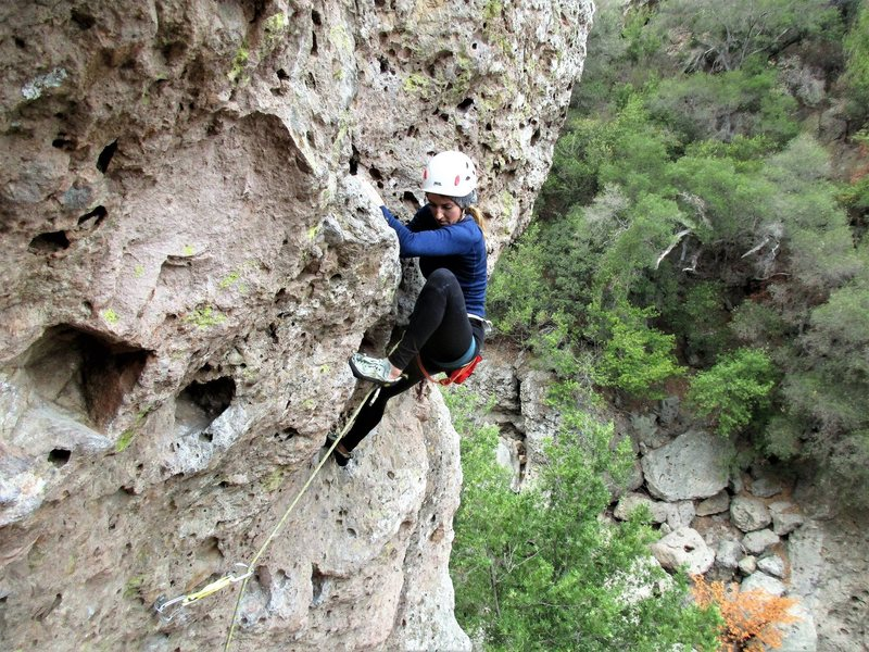 marylin above the crux and about to clip anchors