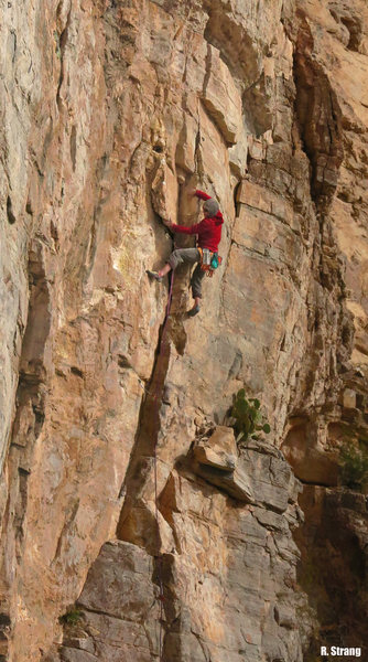 Rock Climbing Photo: Climbing the corner at the start Vision Quest (5.9...