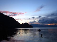 Rock Climbing Photo: A local fisherman out on the lake just before sunr...