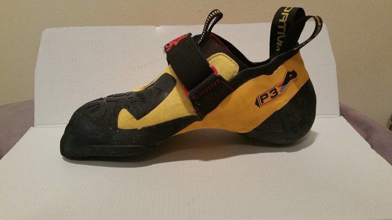 Rock Climbing Photo: Right shoe inside