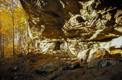 Rock Climbing Photo: The expansive alcove at the head of the drainage b...