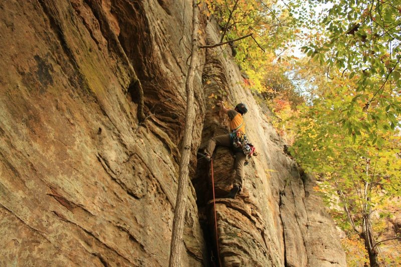 Rock Climbing Photo: Ryan leading up the dirty crack