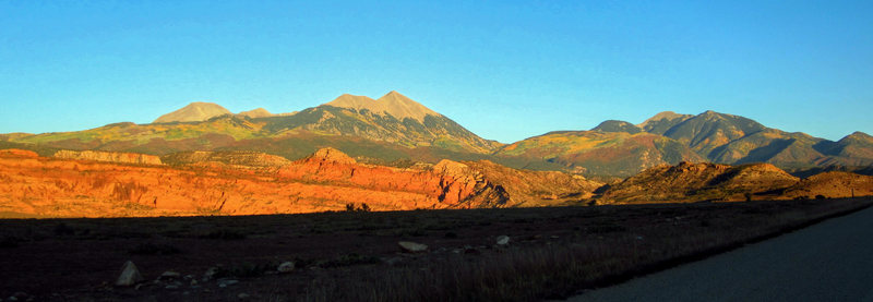 Fall colors in the long evening light, Spanish Valley. September 2012