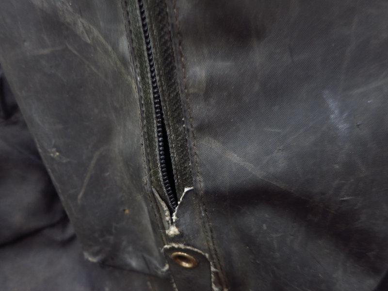 RT25 Zipper.