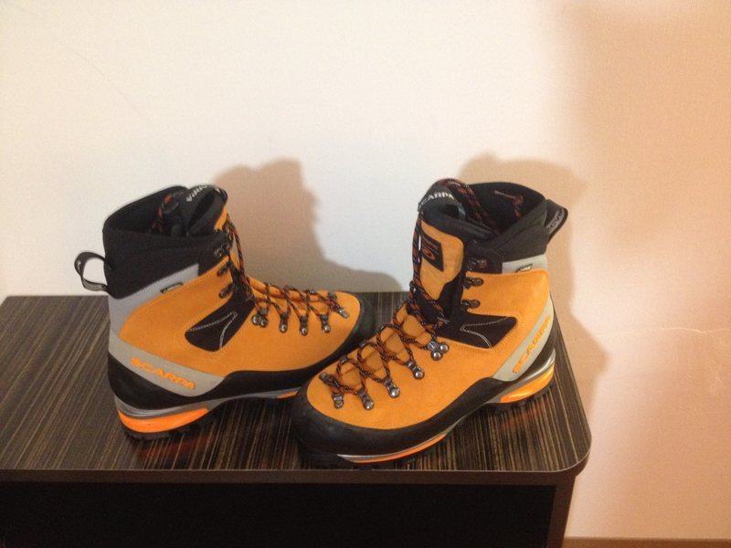 Rock Climbing Photo: Scarpa Mont Blanc Mountaineering Boots Size 43