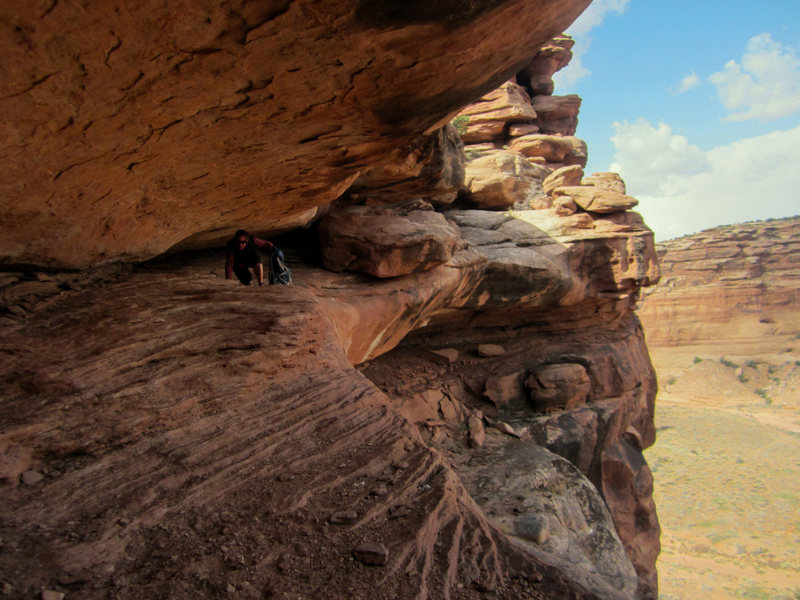 Rock Climbing Photo: The 3rd class ledge-crawl descent into Hell Roarin...