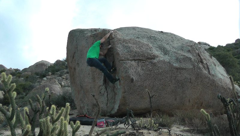 Rock Climbing Photo: Boulder with a flake.