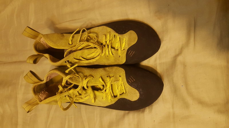 Butora Alturas Green size 42.5. Used for one season, $60
