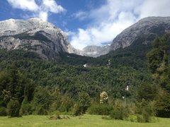 Rock Climbing Photo: Anfiteatro from the valley floor near Campo Aventu...