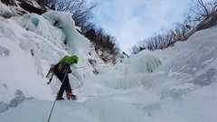 Rock Climbing Photo: Julie nearing the base of Fang Gully with Whitewat...