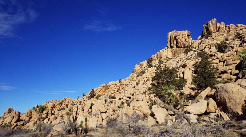 Rock Climbing Photo: Climber following Imaginary Voyage, across the lip...