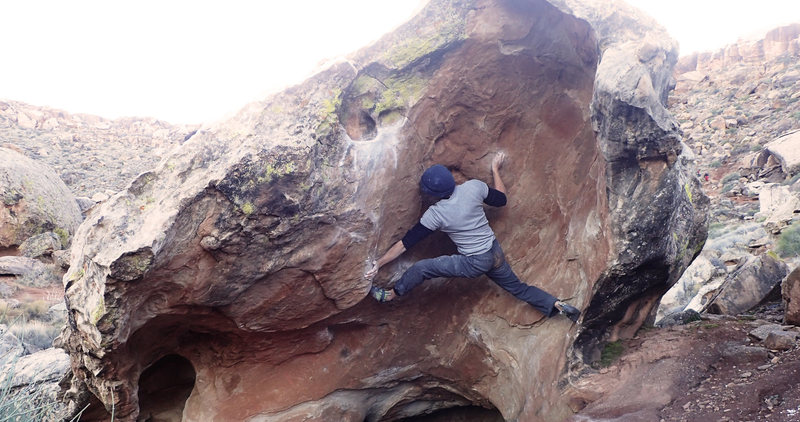 Rock Climbing Photo: Stemming on Bazooka Tooth