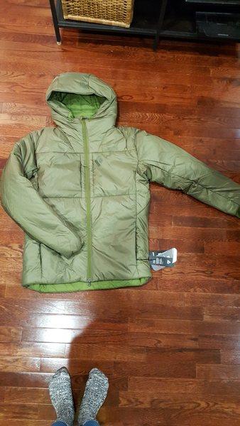Rock Climbing Photo: Green BD belay parka jacket size Med