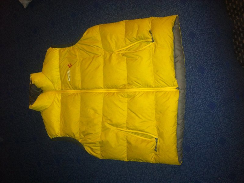 Rock Climbing Photo: Red Fox Down Vest Size 50-fits like a large  $30 s...